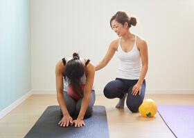 ピラティスの効果03 肩こり・腰痛・生理痛・尿漏れ・便秘の緩和